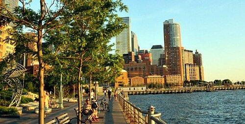 Battery Park, onde você embarca para a Liberty e a Ellis Island.