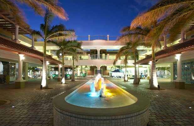 Palm Beach Plaza Mall, em Aruba
