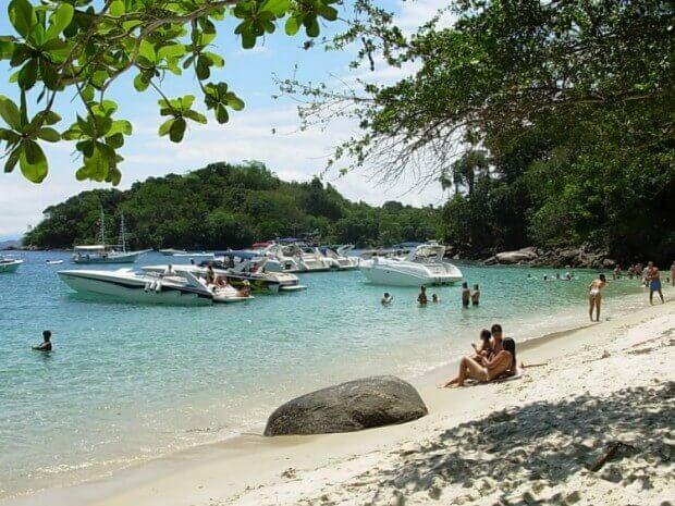 Praia de Grumixama em Angra dos Reis