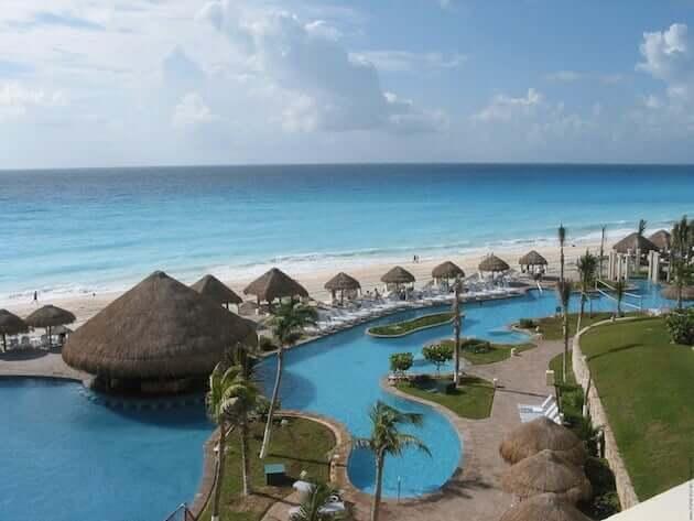 Praia de Cancún, no México