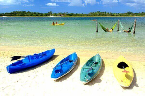 Praia de Jericoacoara com Canoas