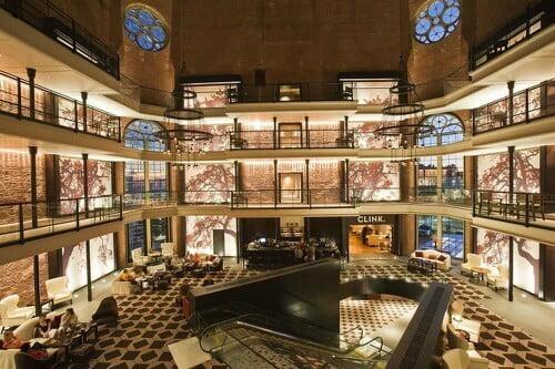 Saguão de hotel luxuoso