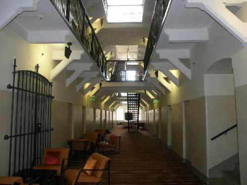 Galeria de prisão transformada em hotel