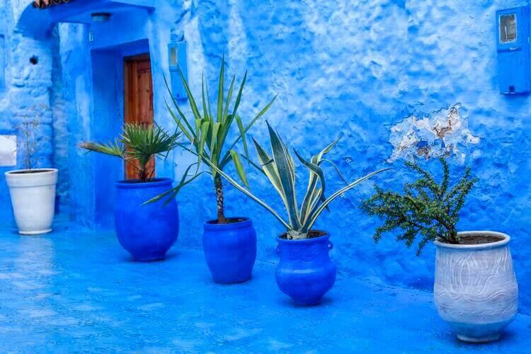 Casa toda pintada de azul em Chefchaouen.